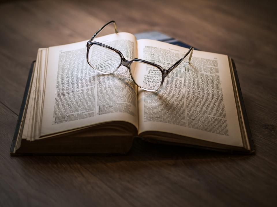 Master in diritto amministrativo: foto volume di testo
